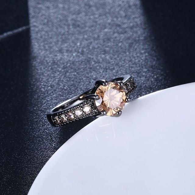 Фото модные кольца для женщин милые стильные обручальные с розовым
