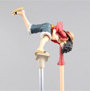 Image 3 - Luffy figura de acción de ONE PIECE, juguete de pistola de goma, soporte de mano largo boca abajo, modelo de batalla de PVC de 35CM