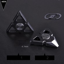 Mini Triangle Tip Gyro Crowbar Stainless Steel Adult EDC Toys