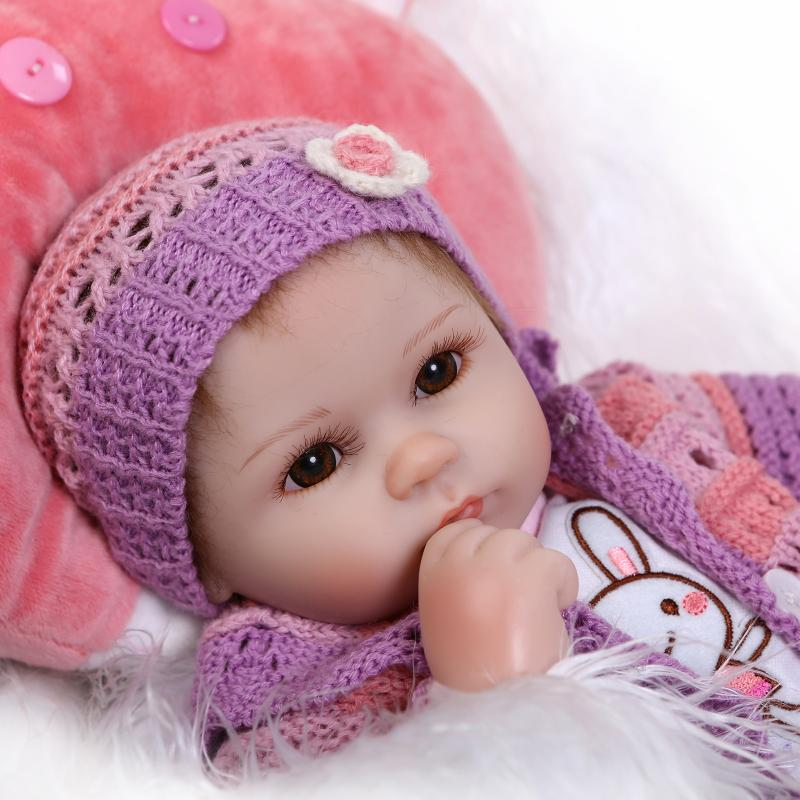 HOTSALE 18 Inch Soft Lifelike Silicone Reborn Baby Doll With Cartoon Animal Clothes Sleeping Baby Dolls Real Hair Girls Gifts   maglioni bambini fatti a mano