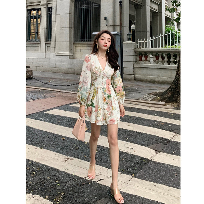 HTB1jkTpdEuF3KVjSZK9q6zVtXXaQ - Fashion Runway Holiday Rompers Female Sexy V-Neck High Waist Short Jumpsuit Elegant Womens Long Sleeve Vintage Floral Playsuits