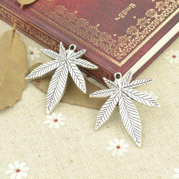 7pcs Alloy Tibetan Silver Plated Maple Leaf Charms