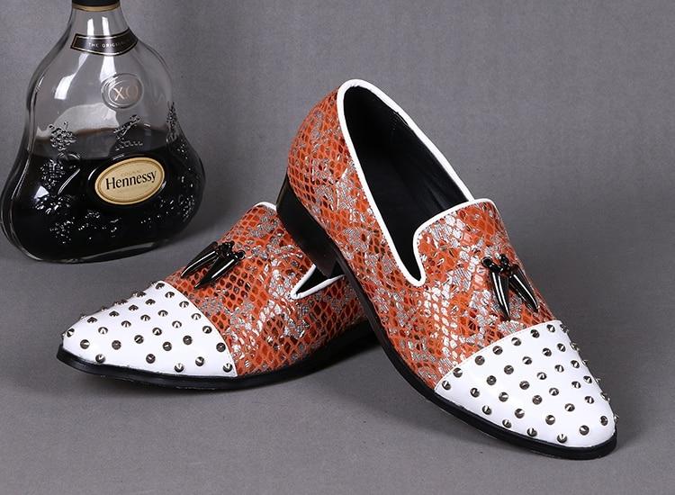 Pista Holgazanes Elegante Talón 3 4 Cuero Remaches Hombre 2 De Pico Zapatos Embellecen Oro En Los 1 Partido Deslizamiento Hombres Retro vYOnwqC