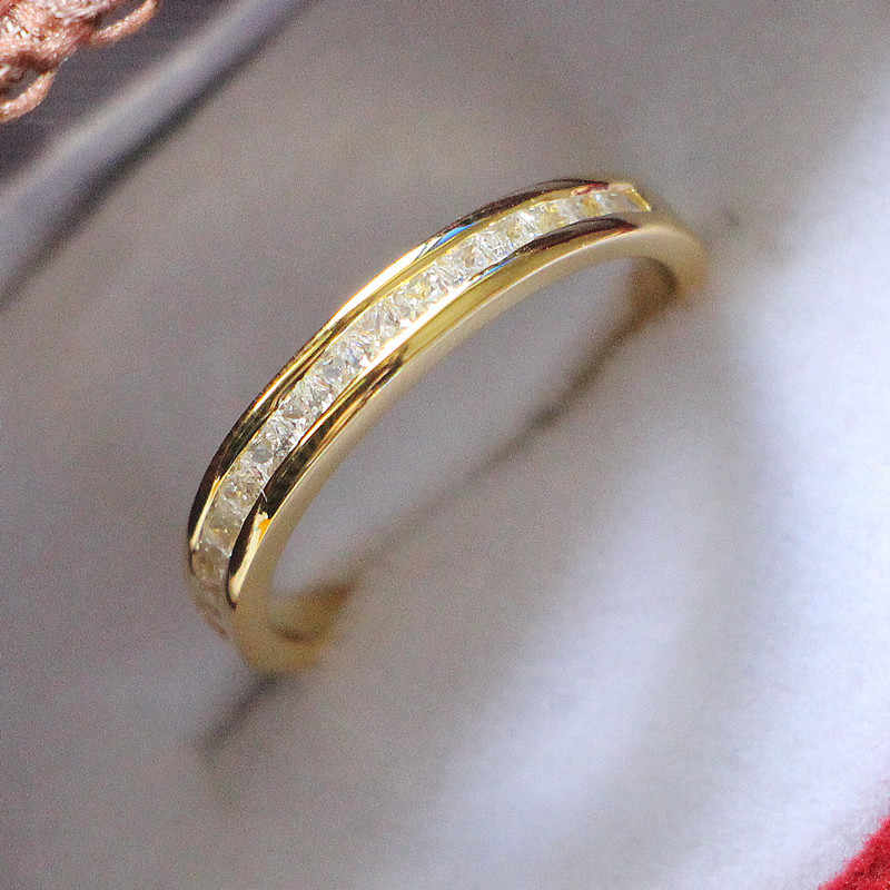 Joyería de plata esterlina, oro amarillo plateado, piedras pequeñas de princesa, anillo de boda de oro 18K de diamante sintético Micro pavimentado para mujer