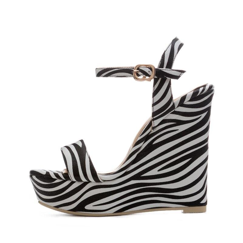 Talons Cales Plate Stripe Avant Mode De Chaussures Dames Impression Haute D'été Bout forme Boucle Wetkiss Ouvert Partie Femmes Sandales XOPikZu