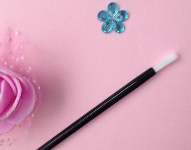 100Pcs Disposable nylon hair brush, disposable multi-purpose makeup brush, portable small lip brush 3