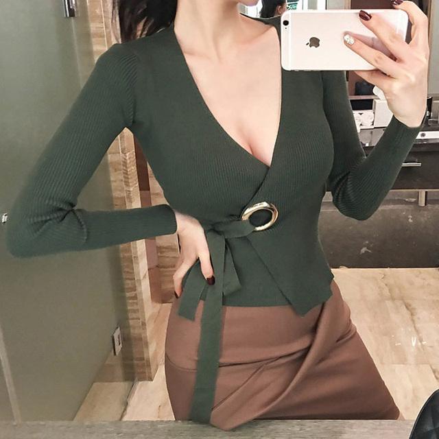 Primavera nueva tie bowknot suéter irregular v-cuello femenino de manga larga Delgado era Delgado suéter de color sólido sexy knitting tops MZ1294