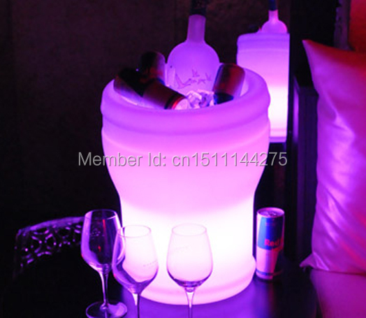 Color changeable Illuseo Lumineux LED Ice Bucket Rechargeable LED luminous champagne cooler Waterproof remote controller+AdapterColor changeable Illuseo Lumineux LED Ice Bucket Rechargeable LED luminous champagne cooler Waterproof remote controller+Adapter