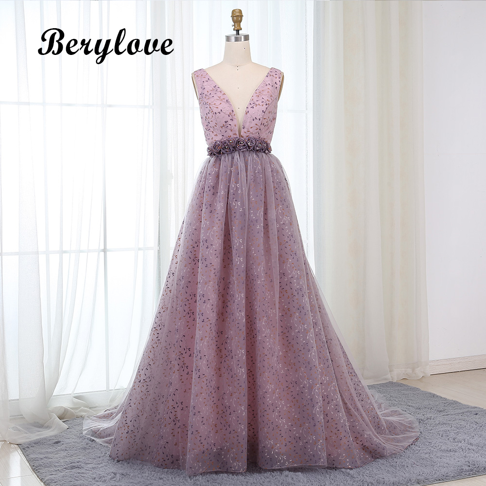 BeryLove Sexy Ball Gown Lilac Lace Evening Dresses 2018 Deep V Neck Backless Evening Dress Purple Prom Dresses Formal Gowns