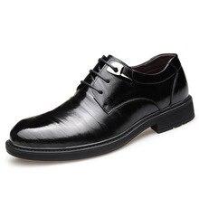 2019 fashion famous brand shock absorption wear mens leather shoes black British style dress business men