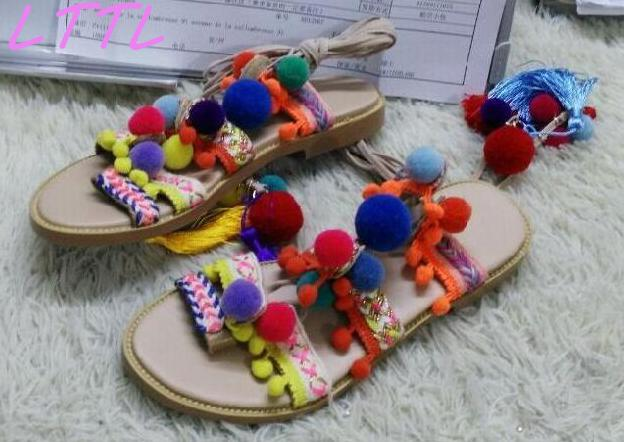 Fashion Bohemia Style Women Lace Up Sandals Mixed Color Pom Poms Ladies Flat Sandals Cut Out Style Female Beach Sandals