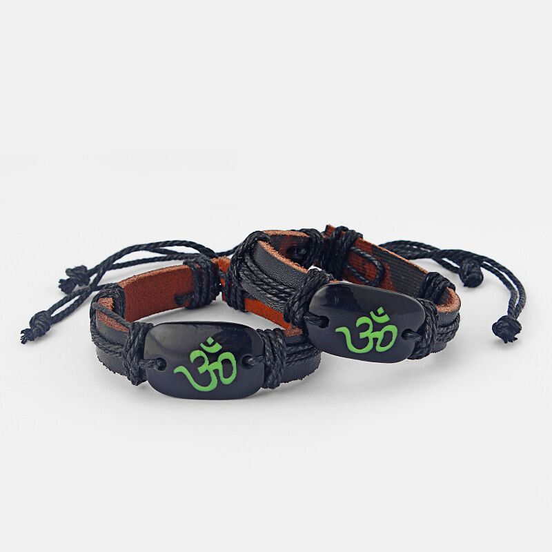 Hot 1 pcs Black Leather Wristband OM OHM AUM YOGA HINDI OMKARA SYMBOL Charm Bracelet Adjustable