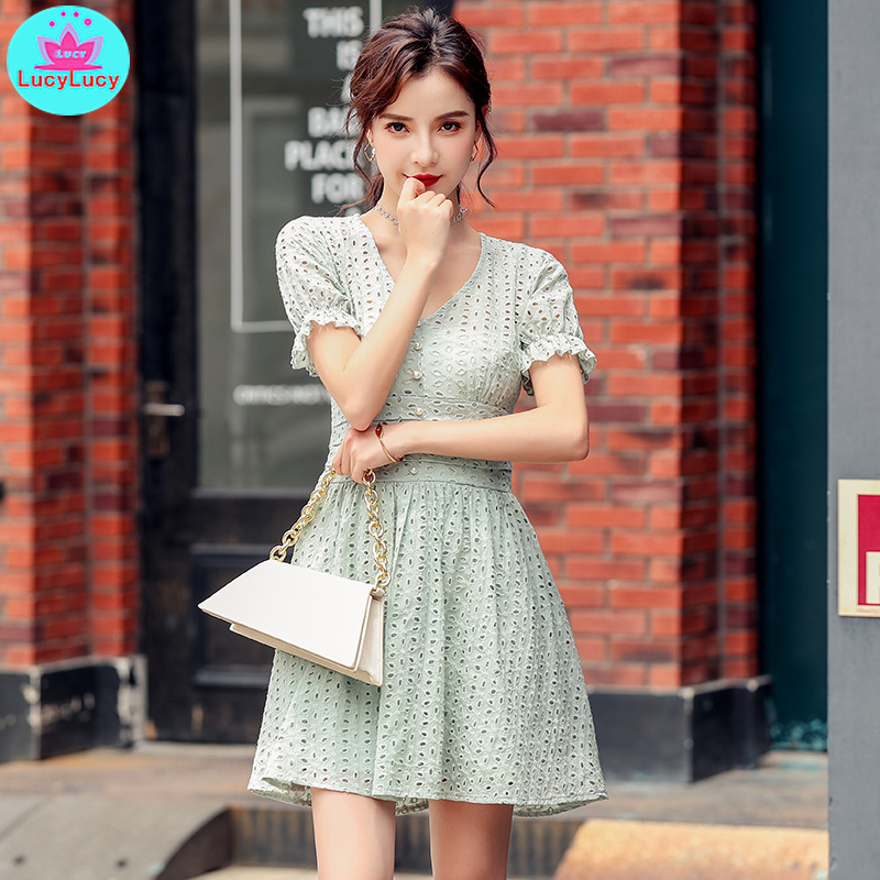 Women's 2019 summer new Korean version of the temperament V-neck hollow high waist was thin small A-shaped dress