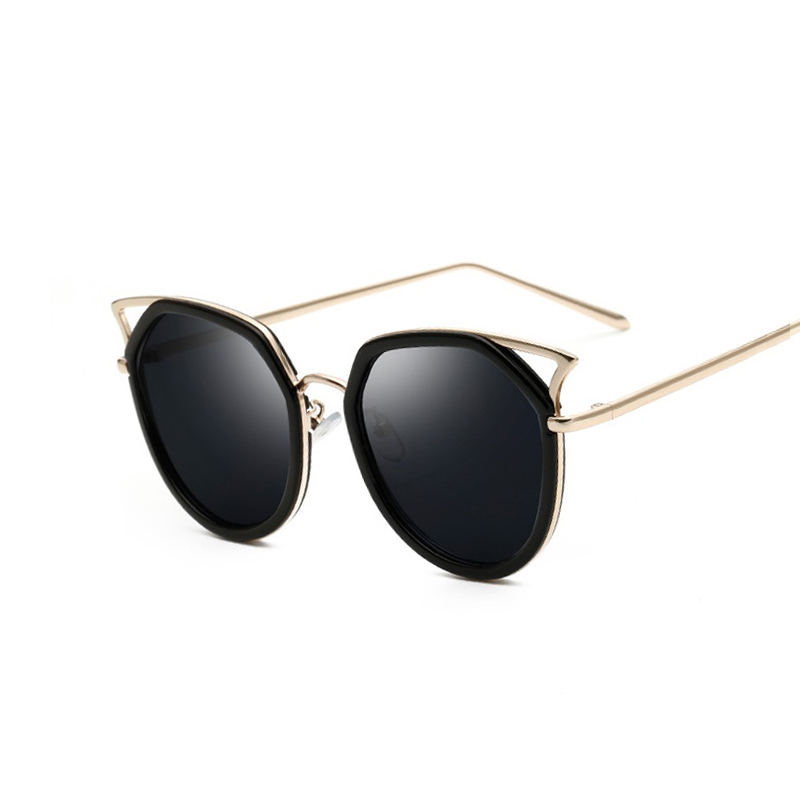 916258583d1 Rose Cat Eye Femmes lunettes de Soleil 2016 Marque Design Miroir Sunglases  Plat Rose Or Vintage Cateye Mode Lunettes de Soleil Lady Lunettes dans  Lunettes ...