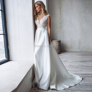 Image 1 - Modest Satin Mermaid Trouwjurken V hals Kant Applicaties Backless Sleeveless Bridal Wedding Gown Robe De Mariee 2020