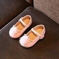 2017 nueva primavera baby girl shoes rhinestone pompón decoración niños de los planos de color sólido de cuero de alta qualirt dance shoes