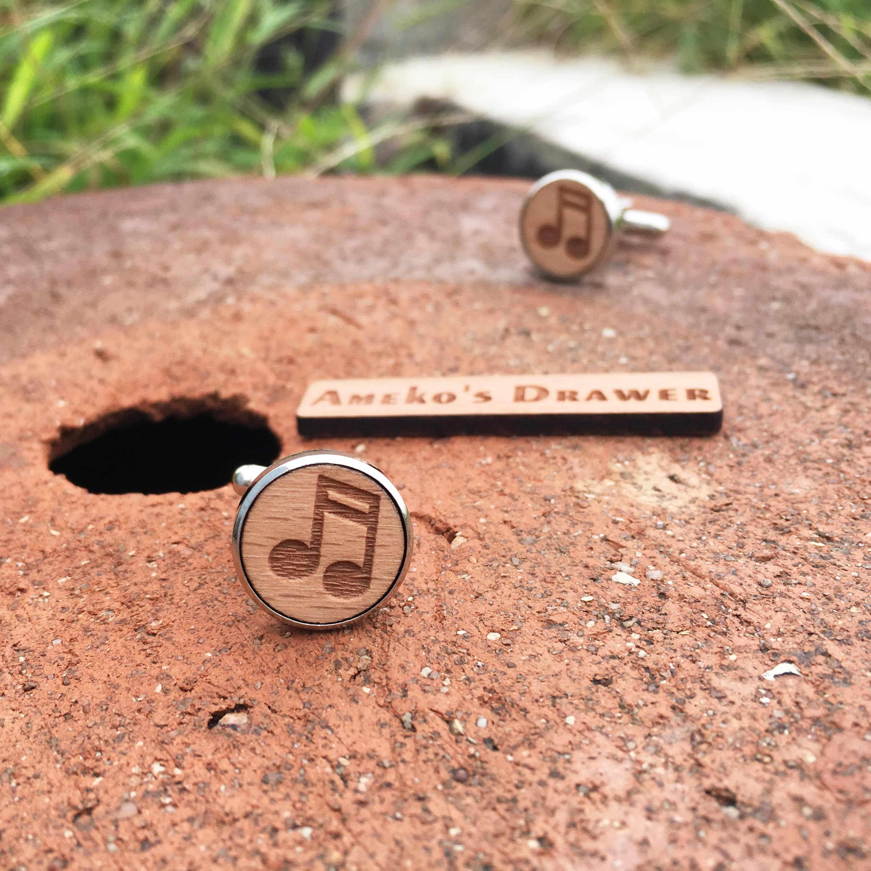音楽木材カフス音符木製カフスボタンミュージシャンスーツ&ネクタイアクセサリー歌手花婿の付添人ギフト× 1ペア
