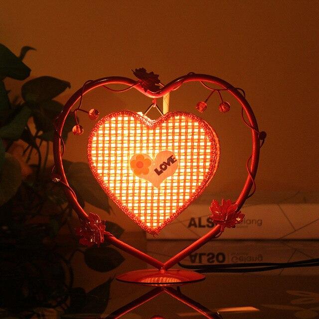 2016 Железа искусства 250*200 мм Сердце настольная лампа LED теплый свет творческие декоративно-прикладного искусства настольная лампа любовь свет Прекрасный подарок девочек