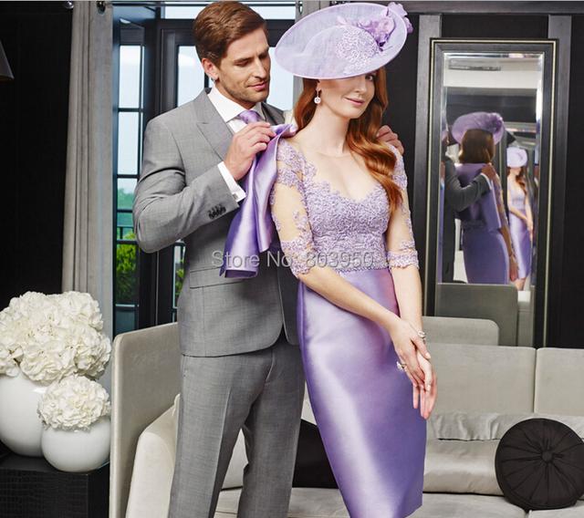 Chegada nova Do Pescoço Da Colher Cetim Atado Bainha Na Altura Do Joelho Equipada Lavender Mãe dos Vestidos de Noiva Com Jaqueta de Festa Elegante vestido