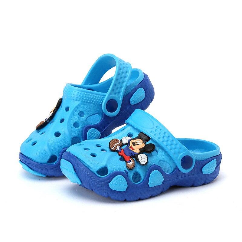 Тапочки для мальчиков и девочек; сандалии; нескользящие шлепанцы; пляжные шлепанцы; Новинка года; модная летняя детская обувь с вырезами и героями мультфильмов - Цвет: H33-blue