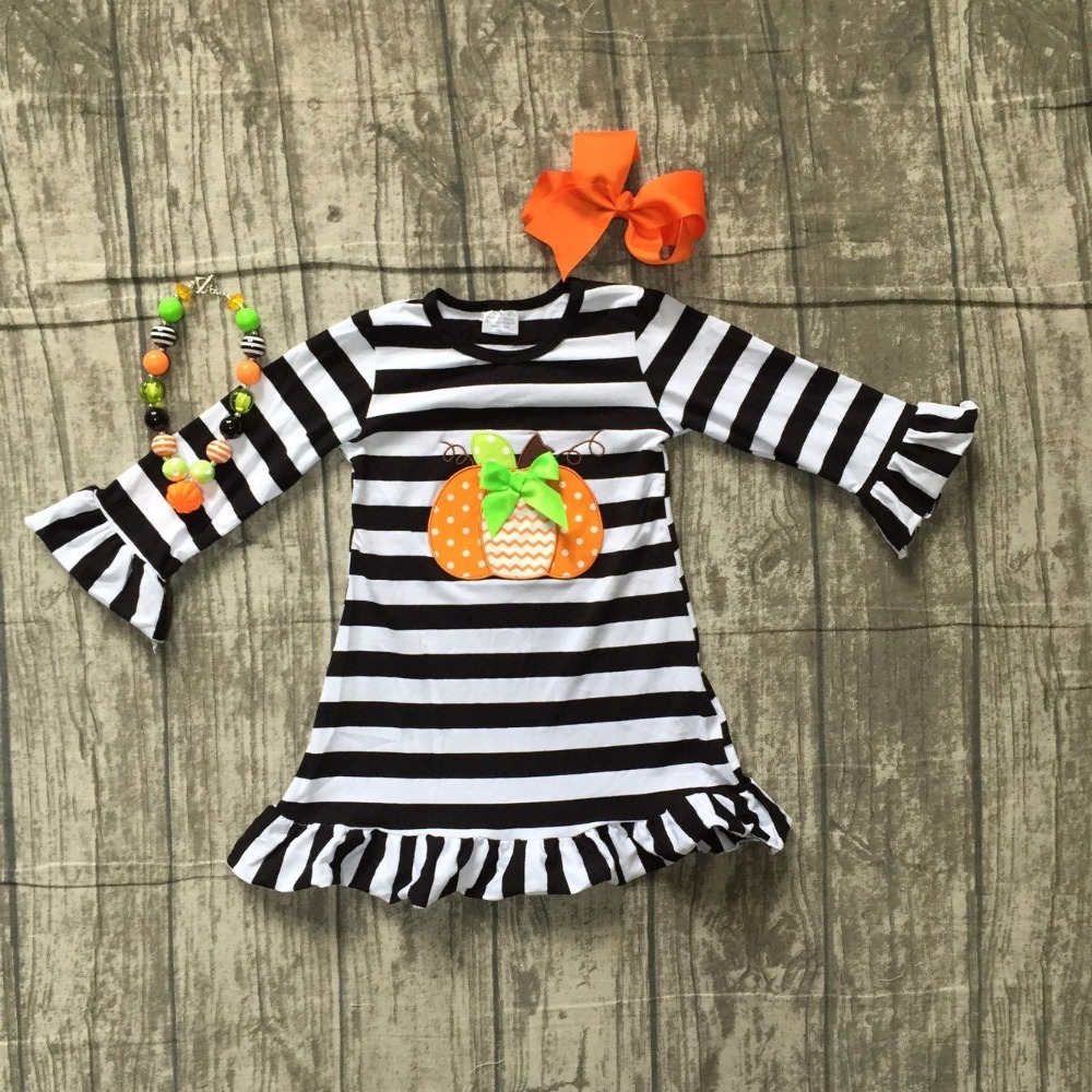 цена на baby girls Halloween dress children girls black stripe dress with pumpkin applique Halloween party dress cotton dress with bows
