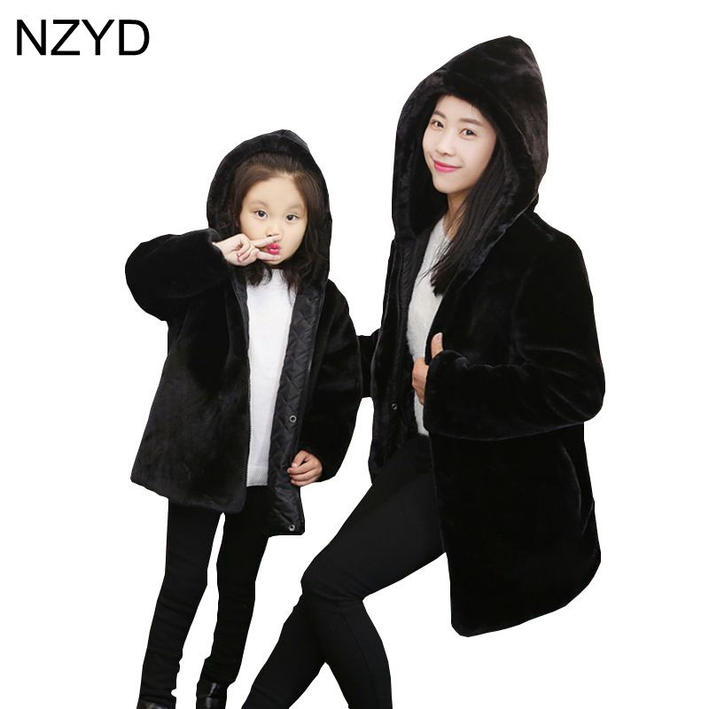 2017 New Fashion Winter Family Matching Clothing Hooded Warm Girl Coat Mother Loose Cotton Clothes Parent-Child Outfit DC636 2014small little girl homemade parent child clothes for mother child bugs bunny cartoon one piece dress baby sweatshirt