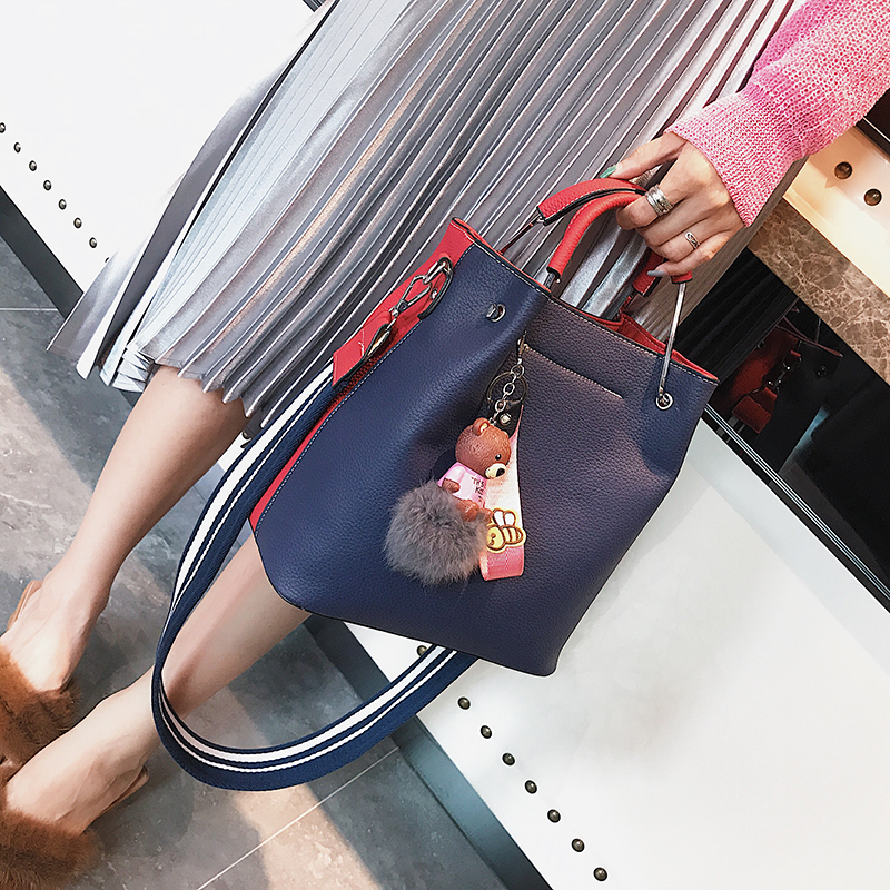 цена на Fashion Crossbod Wide Shoulder Straps Bucket Bag New Design Korea Style Women Messenger Bags Handbags Ladies Pu Leather Tote Bag