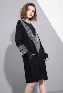 Image 4 - [EAM] 2017 סתיו החורף עגול צוואר שרוול ארוך מוצקה צבע שחור diamoned JC33201 גאות אופנה נשים רופפת גודל גדול