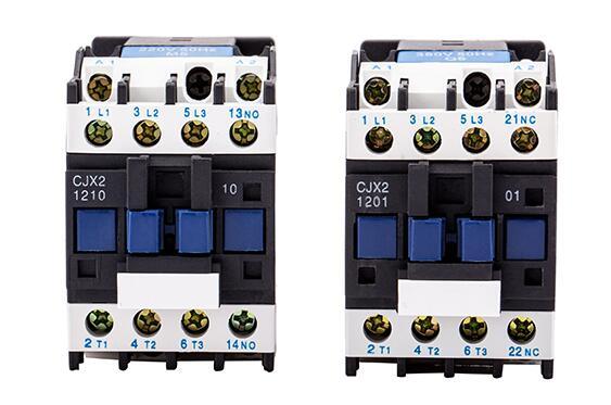 AC24V 4P 50//60Hz 24V//230V 2NO 2NC contacteur ca domestique sur Rail Din 4 p/ôles 63A contacteur ca sur Rail DIN pour Applications domestiques