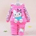 Conjunto do inverno do bebê 2016 Conjuntos de Inverno Menina Dos Desenhos Animados Kitty Super quente Quente Casaco + Calças (Dois Conjuntos de Peças) algodão-acolchoado roupas