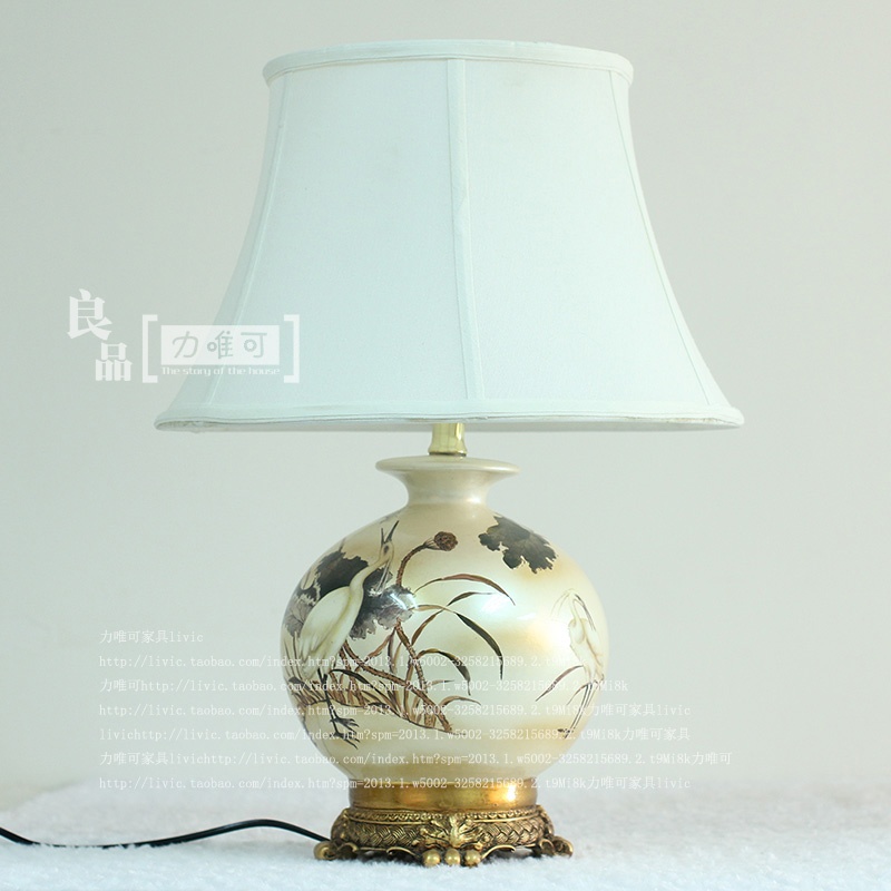American pastoral style high-grade ceramic lamp painted decorative table lamp bedroom bedside lamp European-style home decoratio ceramic table lamp bedroom bedside lamp european style garden wedding fashion warmly decorated lamp dimmable