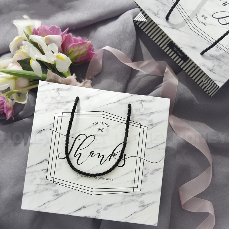 2018 New Arrive Wedding Gift Bag Paper Shopping Bag Candy Bag Wedding Gifts For Guests Wedding Decoration Big Handbag