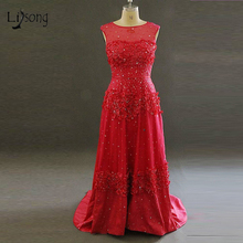 Hecho a mano de Lujo Rojo Del Vestido de Noche con Rebordear Brillante Cystals Hermosas Flores Scoop Escote Una Línea de Raso Largo Vestido de Noche Rojo