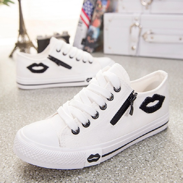 c18a6cc018 Skateboarding Shoes Women Trainers Summer White Sneakers Women Lips Lace-up  Canvas Shoes Ladies Flat Shoes Zapatillas Mujer