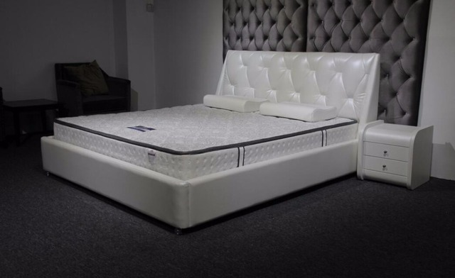 2017 new diamond tufted contemporary genuine leather bed diamond modern bedroom furniture China