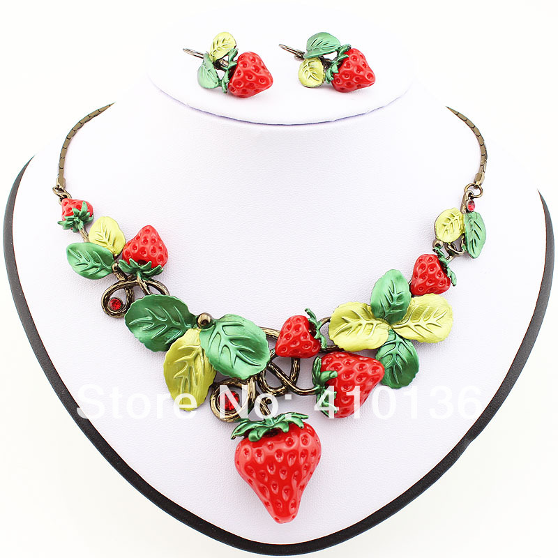 MS17208 Classic Strawberry Jewelry Sets High Quality Antique Red Sweet Fruit Necklace Set Party Gifts Free