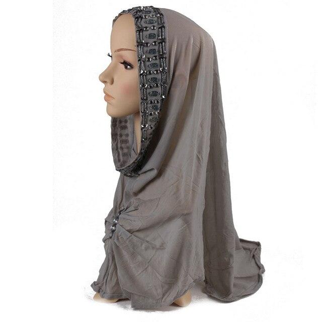 2017 мусульманские Шапки Шелковый шарф платок хиджаб Исламская Мусульманских женщин Голову шелковый Шарф Underscarf Хиджаб Крышка тюрбан плед цвет капот