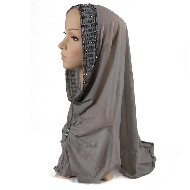 2017 Caps muçulmano lenço De Seda xale hijab Islâmico Muçulmano turbante Cabeça Underscarf Hijab Lenço de seda Capa das Mulheres cor xadrez capô