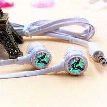 Anime EXO D.O. in-ear Écouteur 3.5mm Stéréo Filaire Écouteurs Microphone Téléphone Musique Casques pour Iphone Samsung Xiaomi VIVO MP3 PSP