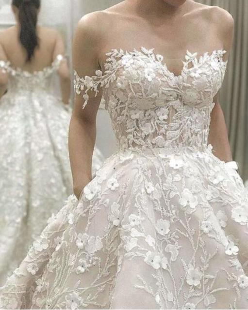 2018 High End Custom Made Lace Wedding Dresses 3d Flower Ball Gown