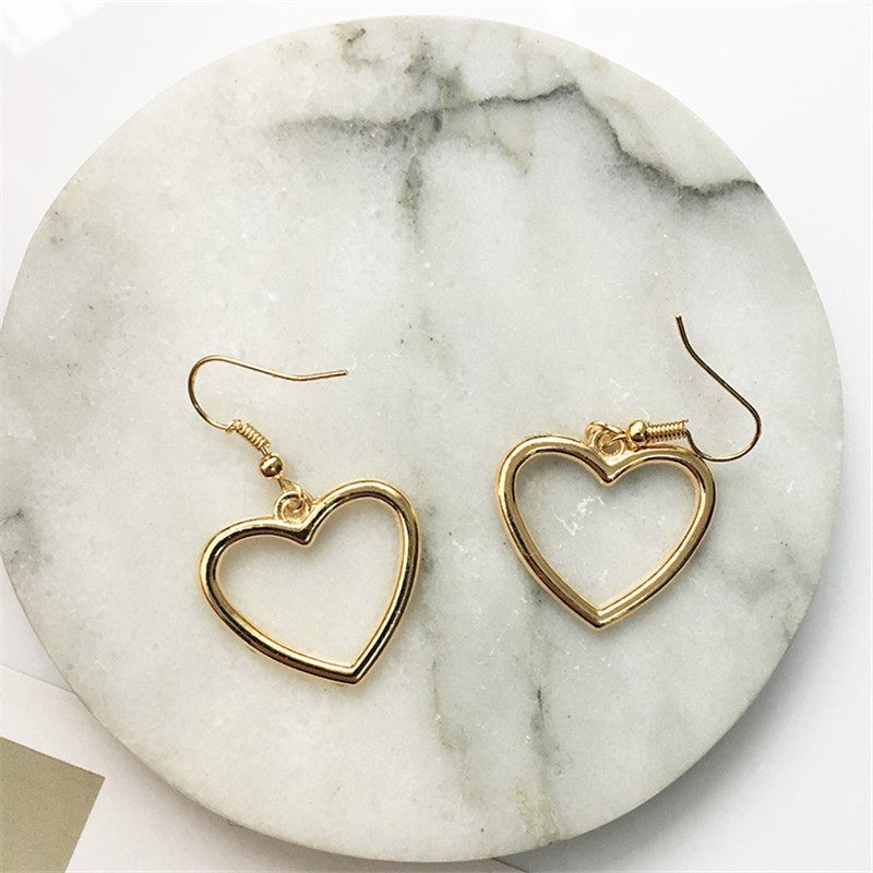 Hot sales Korea sweet hollow geometric heart-shaped love earrings cute gold color heart stud earrings For women party earrings 2