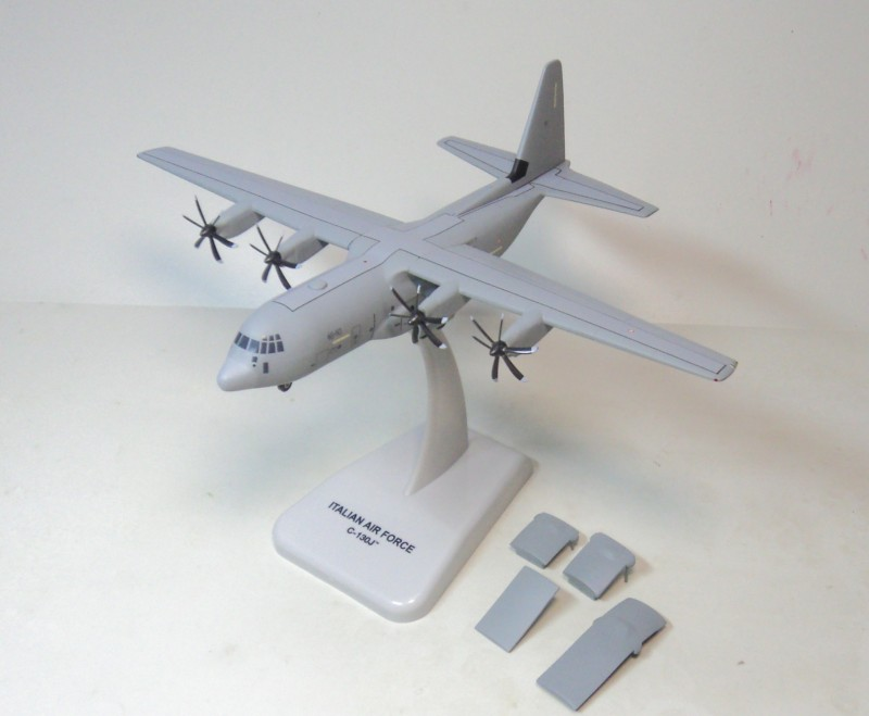 цена на Hogan 1:200 LOCKHEED C-130 Hercules Italy Air Force transport aircraft