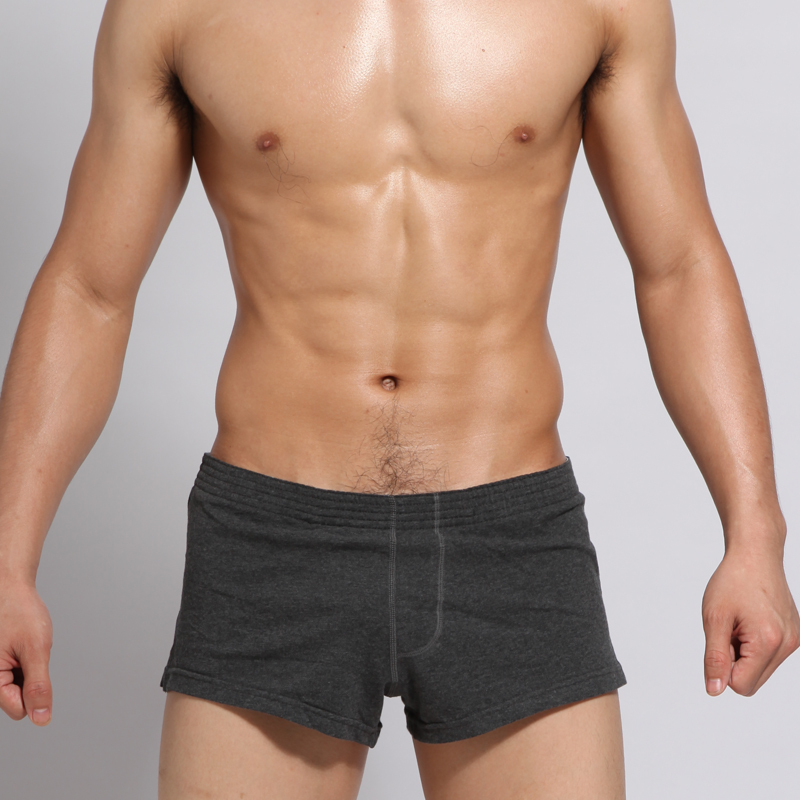 With their comfy design and Dri-FIT technology, these mens' Nike shorts are perfect for your active lifestyle.