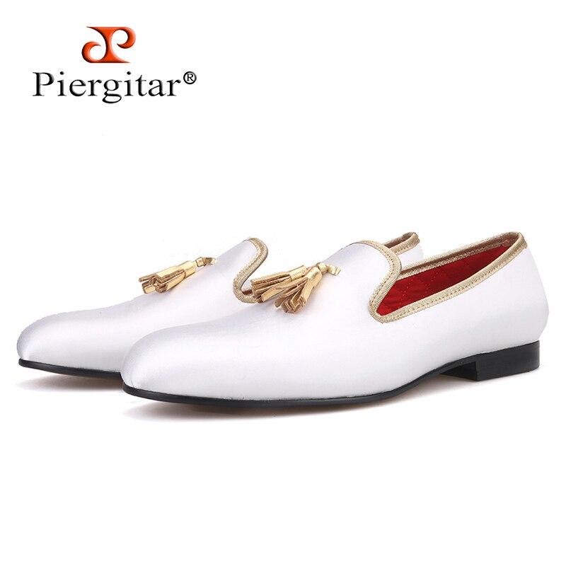 Piertar 2019 새로운 3 색 남성 새틴 신발 가죽 술 수제 남성 로퍼 결혼식과 파티 남성 드레스 신발-에서남성용 캐주얼 신발부터 신발 의  그룹 1