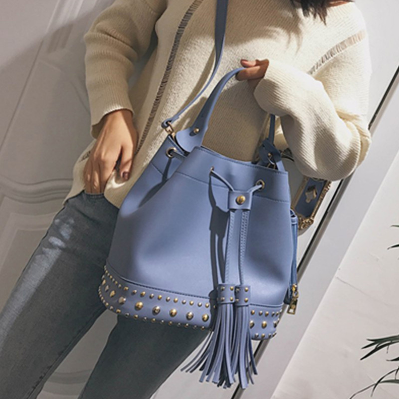 Big sale 2018 tide summer new rivets bucket bag women fashion belt with fringed handbag casual shoulder Messenger bag цены