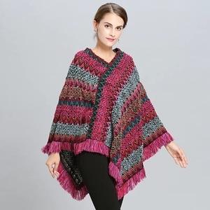 Image 4 - Abrigo mujer poncho capa casaco de inverno feminino ponchos capas morcego pulôver cor listra tricô marca luxo borlas roubou 115