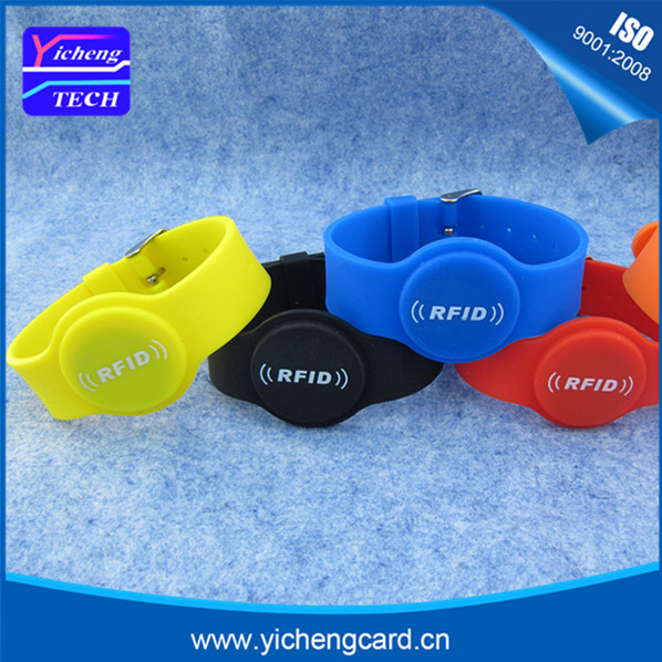 100pcs 100pcs MF ultralight RFID Silicone Wristband 13.56MHz ISO14443 RFID Bracelet Waterproof NFC Card for Access Control