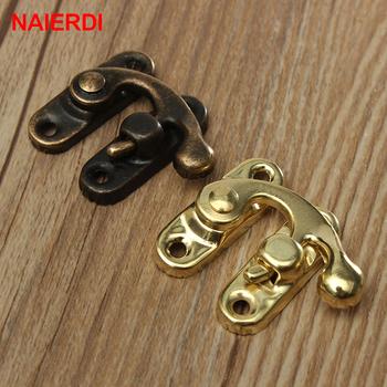 10 sztuk NAIERDI mały antyczny metalowy zamek ozdobny Hasps Hook prezent kłódka do drewnianej szkatułki z biżuterią ze śrubami na sprzęt meblowy tanie i dobre opinie 10xAS3-Small Zamek okno 28*34mm Woodworking Gold Bronze Iron 28mm 1 1 (approx) 34mm 1 3 (approx) 3mm 0 1 (approx) 10PCS(Including 20 screws)