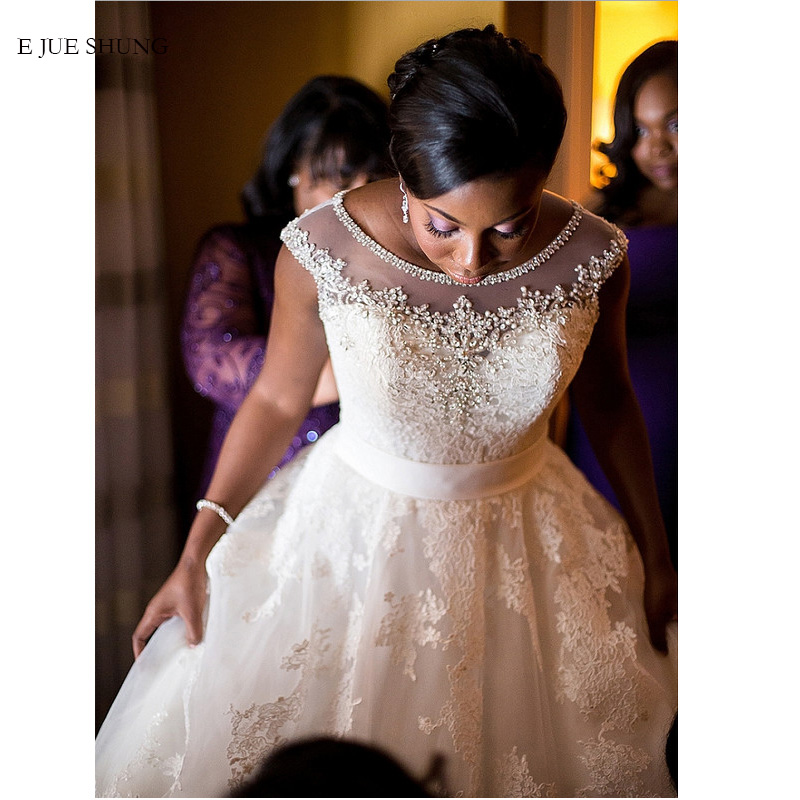 E JUE SHUNG White Lace Appliques Beaded Wedding Dresses Cap Sleeves Black Girl Wedding Gowns Bride Dresses mariage
