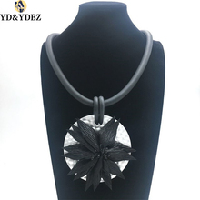 YD&YDBZ Exaggerated Round Black Flower Necklace, Handmade DIY Foam Aluminum Necklace Charm Women Holiday Party Mirror
